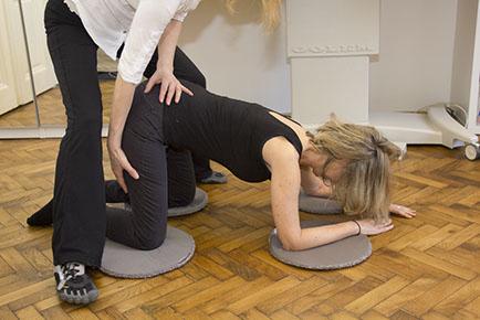 Physiotherapie und Osteopathie | Techniken | Klapp-Technik | Eva Reischer Kunzova